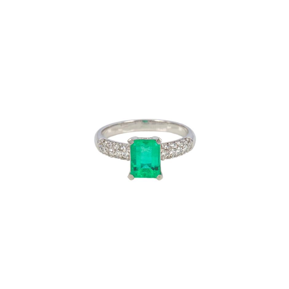 Sortija esmerlada y diamantes. (07033BR-COLOMB)