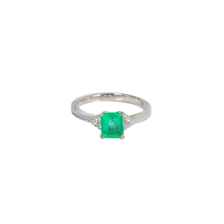 Sortija esmerlada y diamantes. (07284BR-COLOMB)
